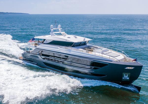 Yacht HORIZON