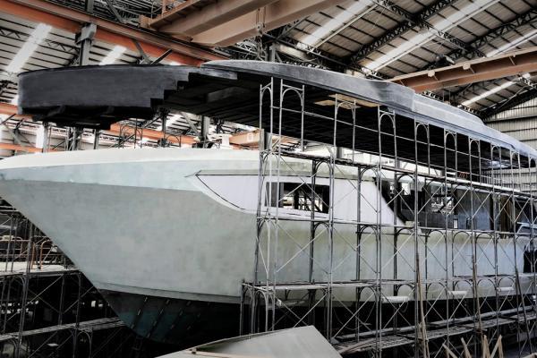 En construction | Yacht personnalisé Horizon CC98